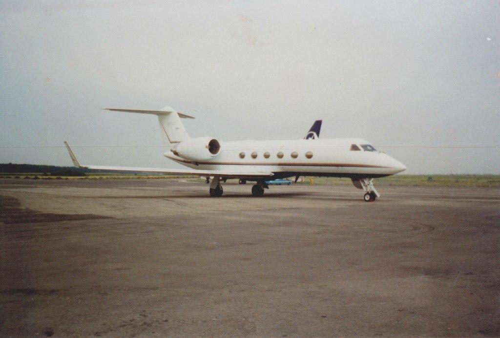 Aeroportul Arad - Poze Istorice - Pagina 2 1397743_599413703433268_64049836_o