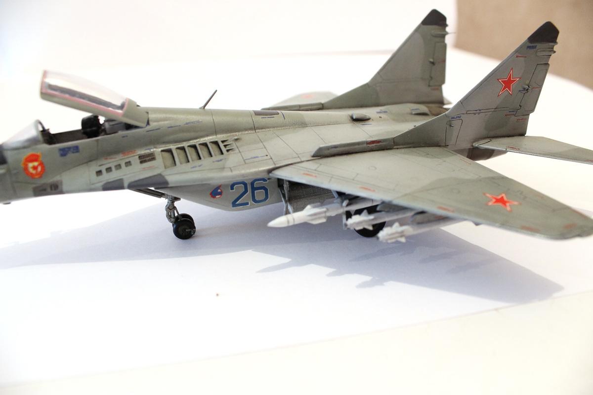 Миг-29 Звезда /italeri  1/72 IMG_2237