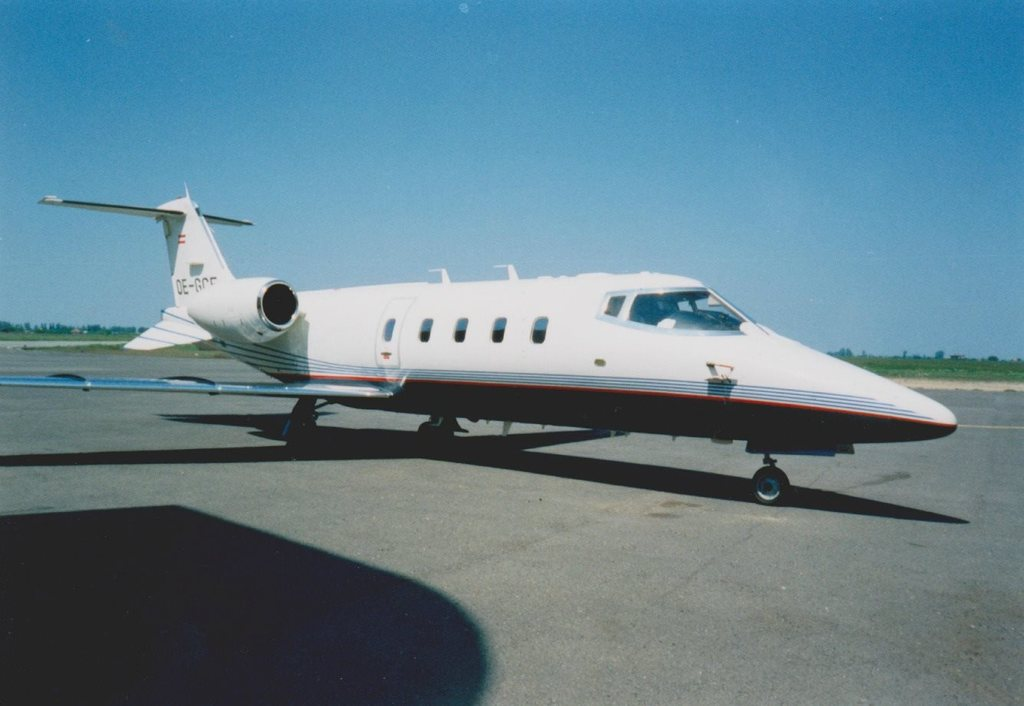 Aeroportul Arad - Poze Istorice - Pagina 2 886113_599412283433410_826397747_o