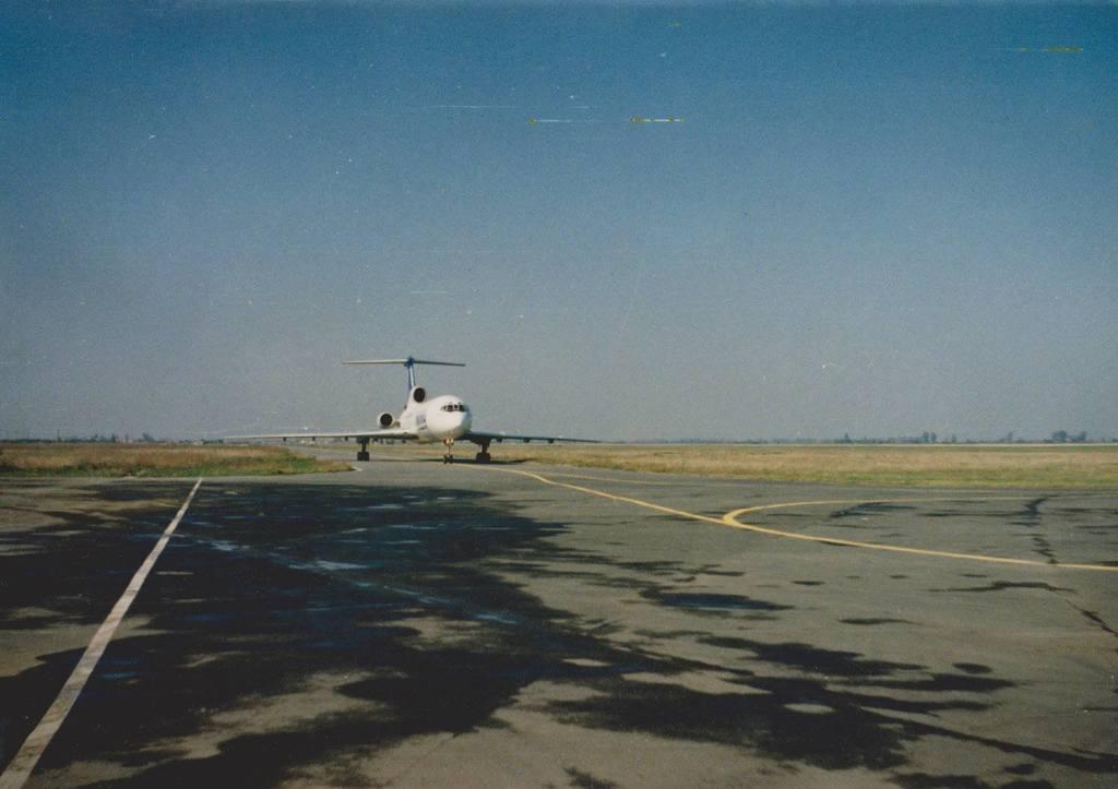 Aeroportul Arad - Poze Istorice - Pagina 2 1274608_596337057074266_78888762_o