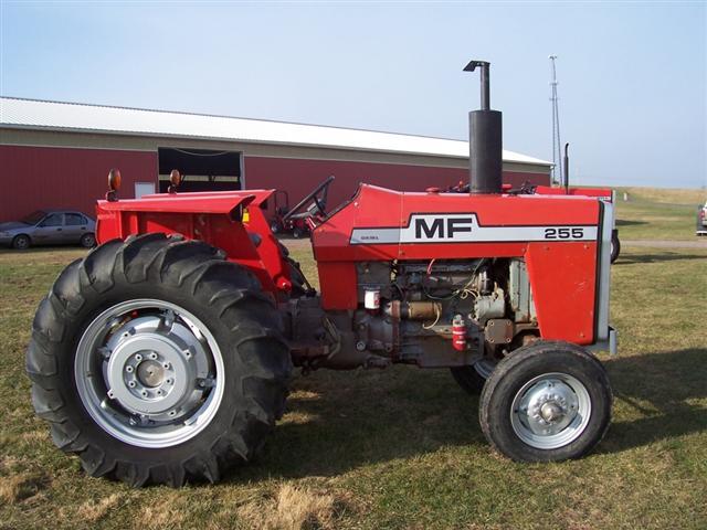 Hilo de tractores antiguos. - Página 39 MF_255_Small