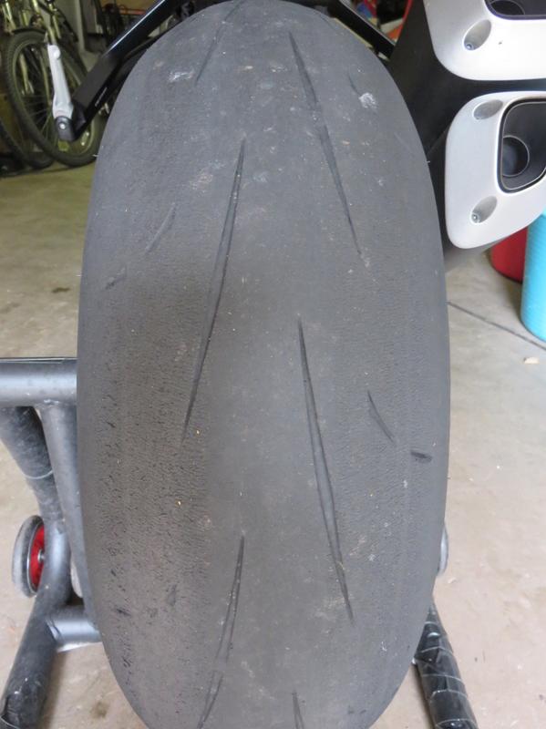 [PNEUS] Combien de kms faite vous avec vos pneus  - Page 3 D211_AR