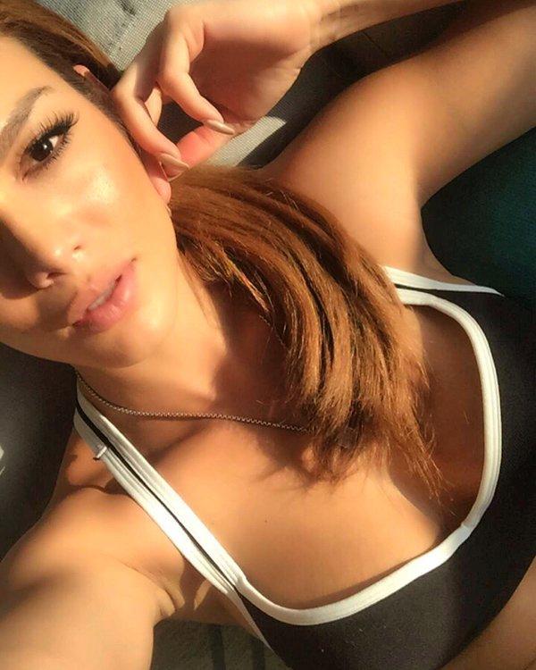 Zuleyka Rivera/ზულეიკა რივერა - Page 3 CYOl_WX9_UQAAQzcg