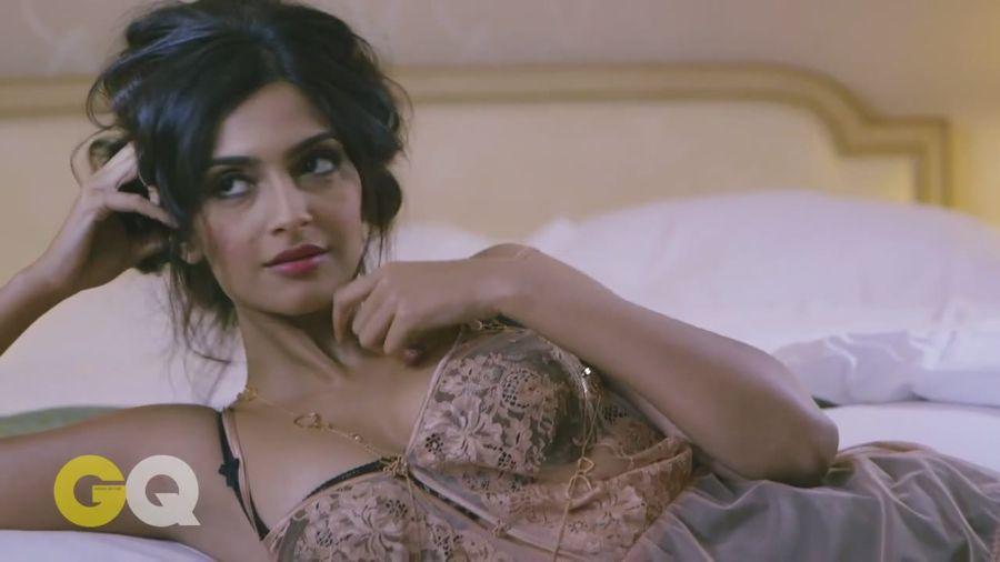 Sonam Kapoor Sizzles in GQ Magazine#3 Sonam_Kapoor_Fropki_027