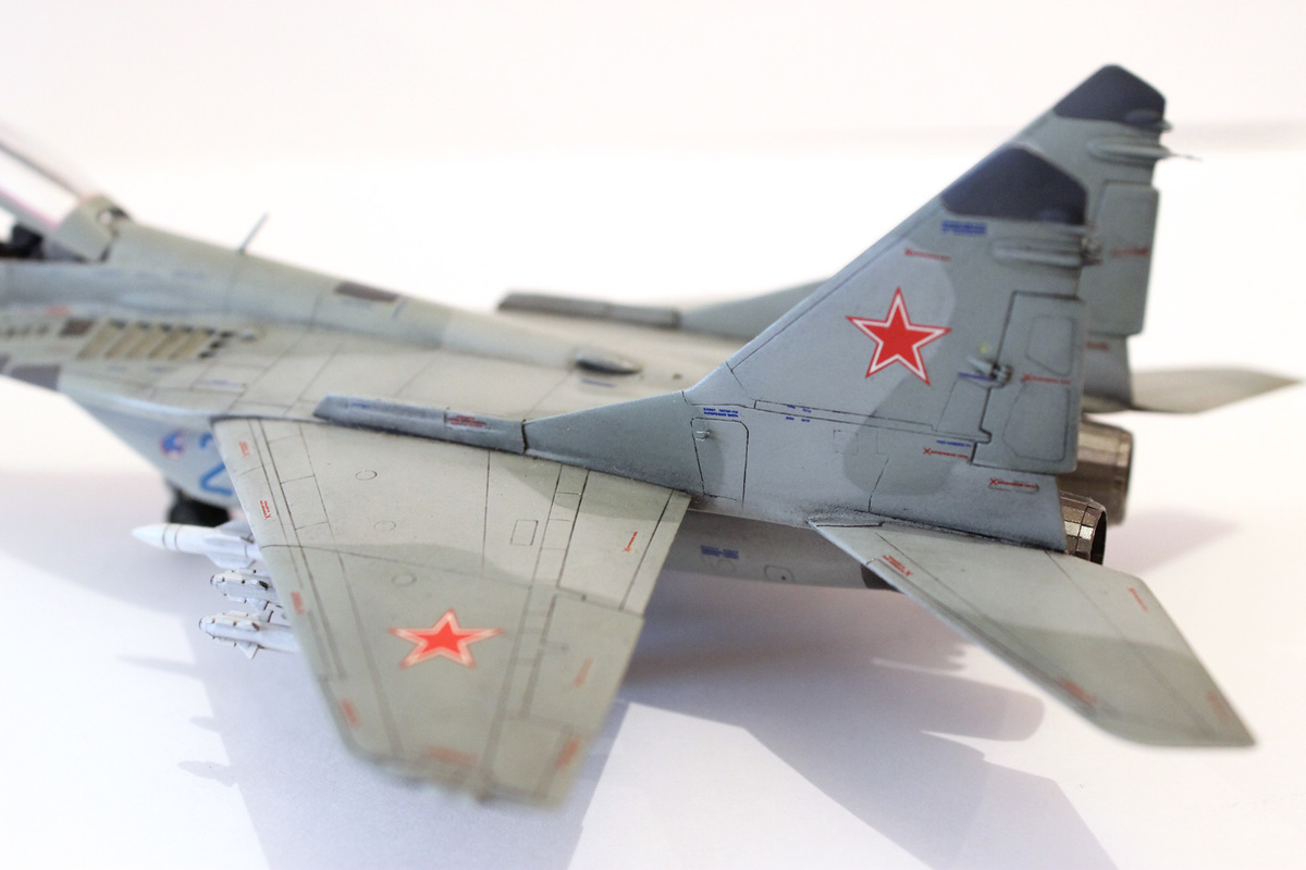 Миг-29 Звезда /italeri  1/72 IMG_2238