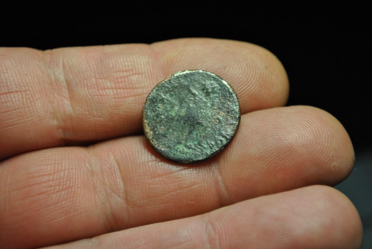 Semis de Tiberio Germánico. Ebusus DSC_7197