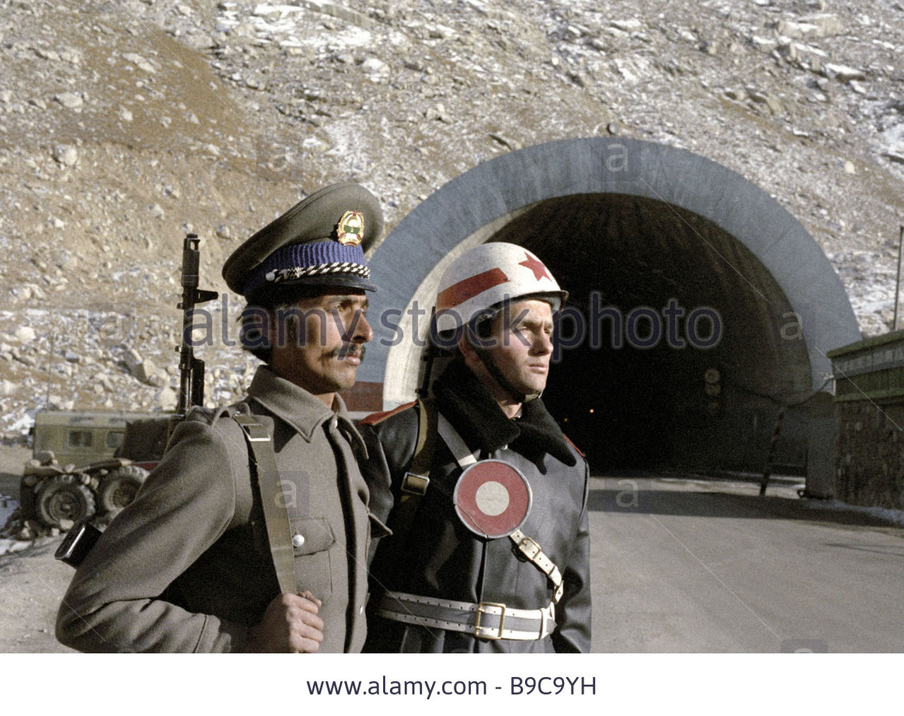 Soviet Afghanistan war - Page 5 A_soviet_traffic_constable_and_an_afghan_soldier