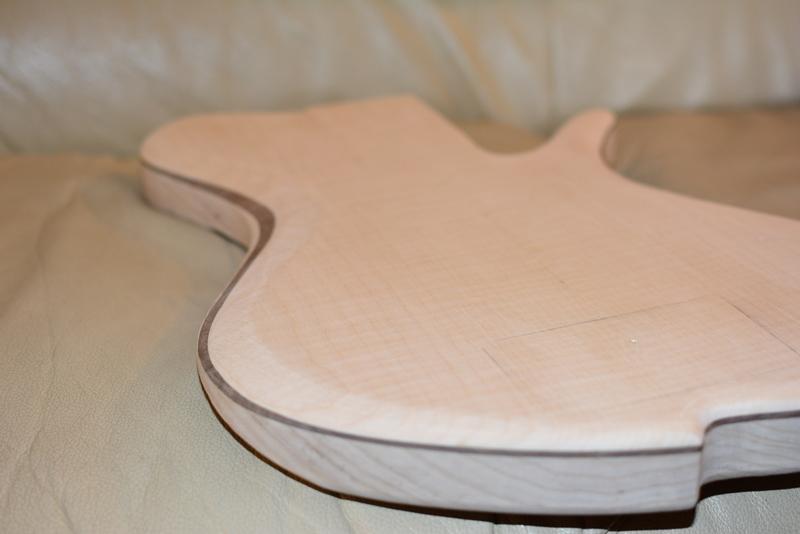 Construção caseira (amadora)- Bass Single cut 5 strings - Página 2 DSC_2259