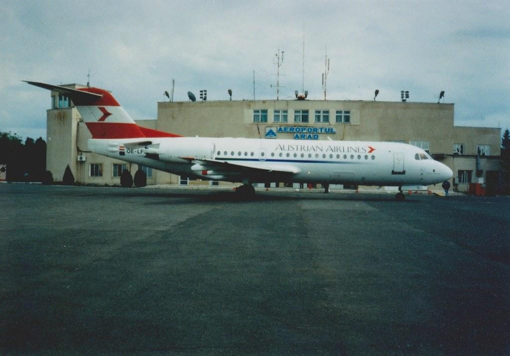 Aeroportul Arad - Poze Istorice - Pagina 2 1398425_614863998554905_1686348306_o