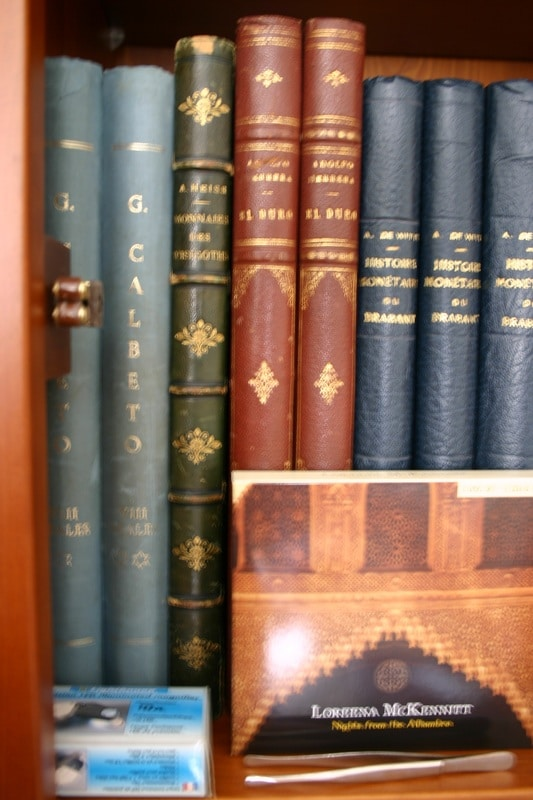 Mi humilde biblioteca IMG_1536