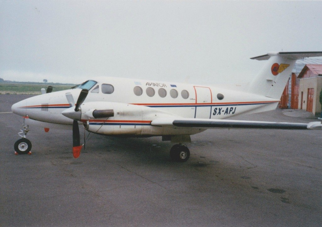 Aeroportul Arad - Poze Istorice - Pagina 2 1272944_599412466766725_1635365191_o
