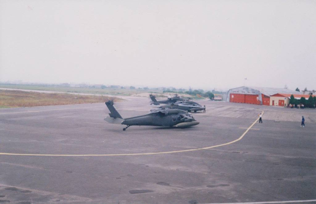 Aeroportul Arad - Poze Istorice - Pagina 2 1398127_610717645636207_233471968_o