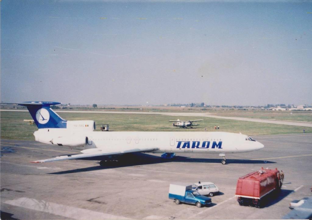 Aeroportul Arad - Poze Istorice - Pagina 2 1273553_596186633755975_615511983_o