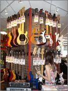 Fotos na seçao de baixo na SamAsh em NYC! Pirei! DSC03810