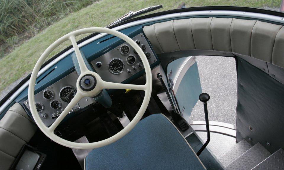 GM Futurliner 1953 1953_GM_Futurliner_05_960