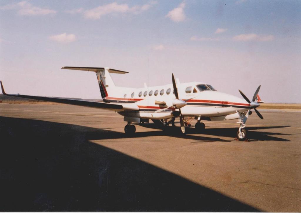 Aeroportul Arad - Poze Istorice - Pagina 2 1292231_599410830100222_1803110640_o