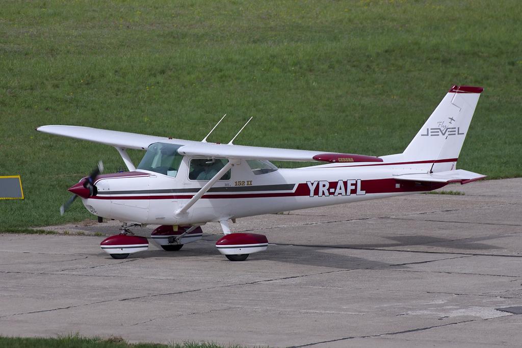 Aeroportul Suceava (Stefan Cel Mare) - Mai 2013  MG_9773