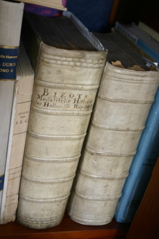 Mi humilde biblioteca IMG_1538