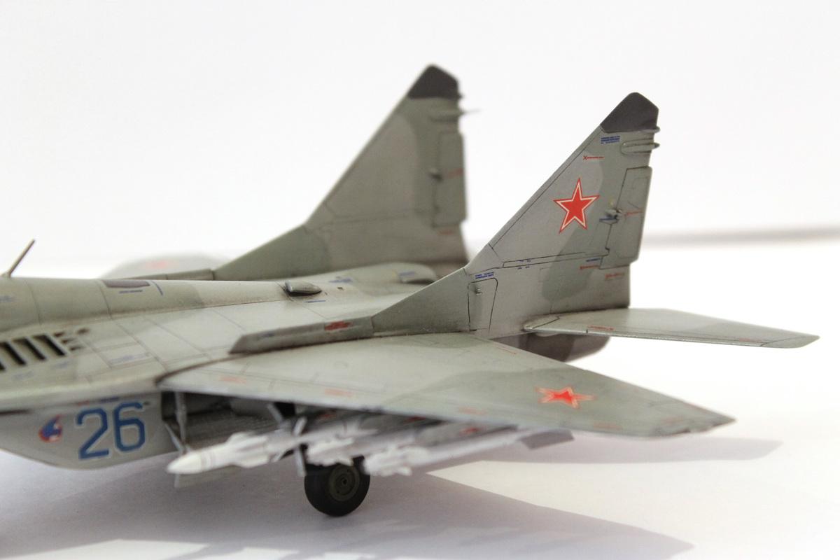 Миг-29 Звезда /italeri  1/72 IMG_2234