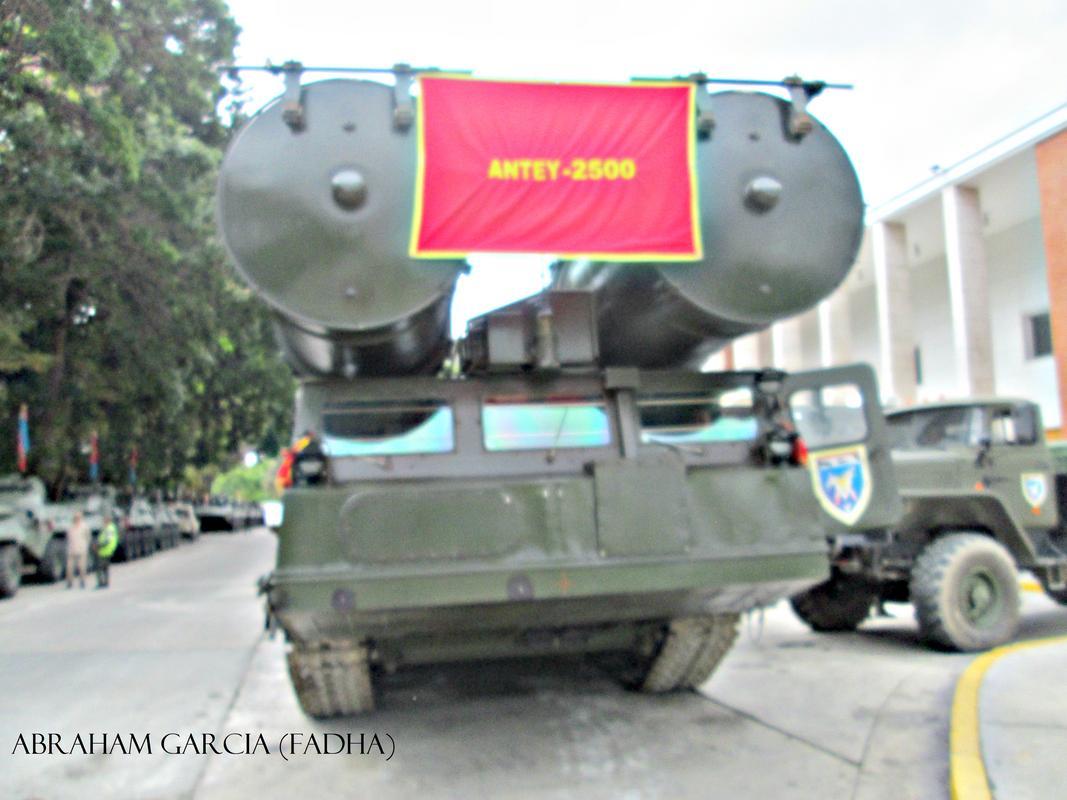 Sistema S-300VM Antey-2500 - Página 2 Antey_1