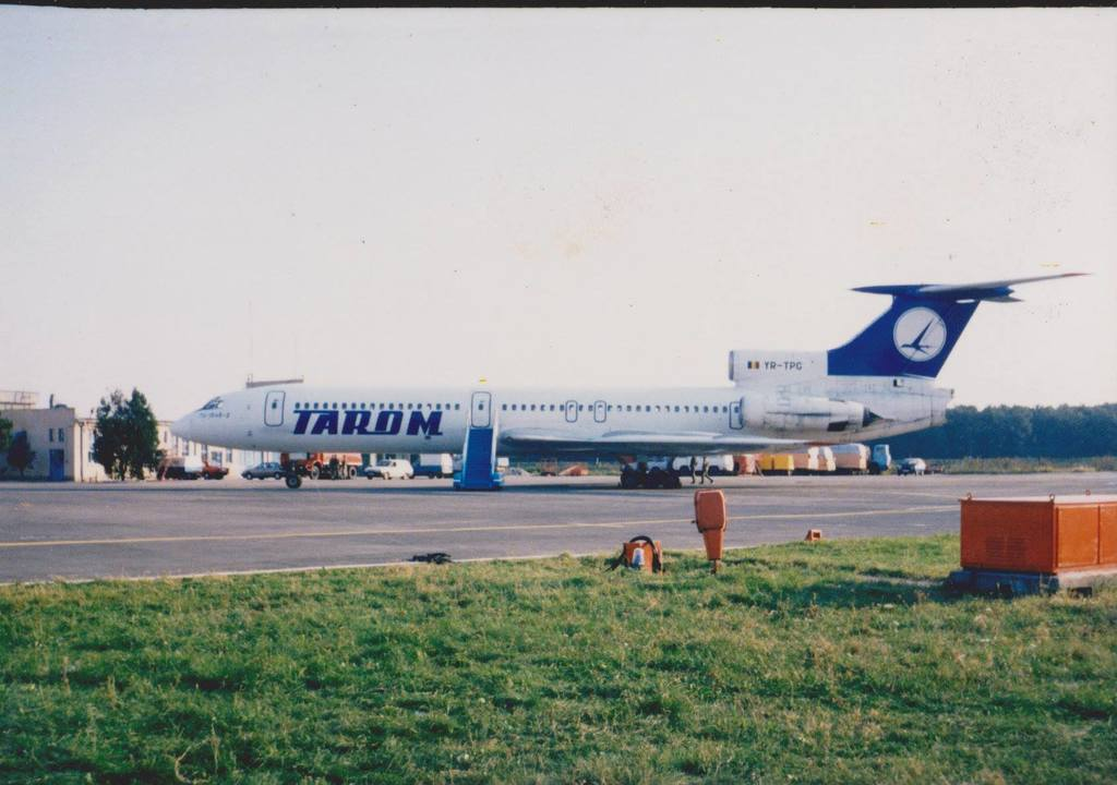 Aeroportul Arad - Poze Istorice - Pagina 2 1277981_596336297074342_262806992_o