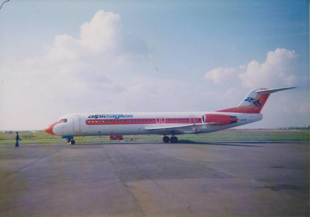 Aeroportul Arad - Poze Istorice - Pagina 2 1398485_610618342312804_67219136_o