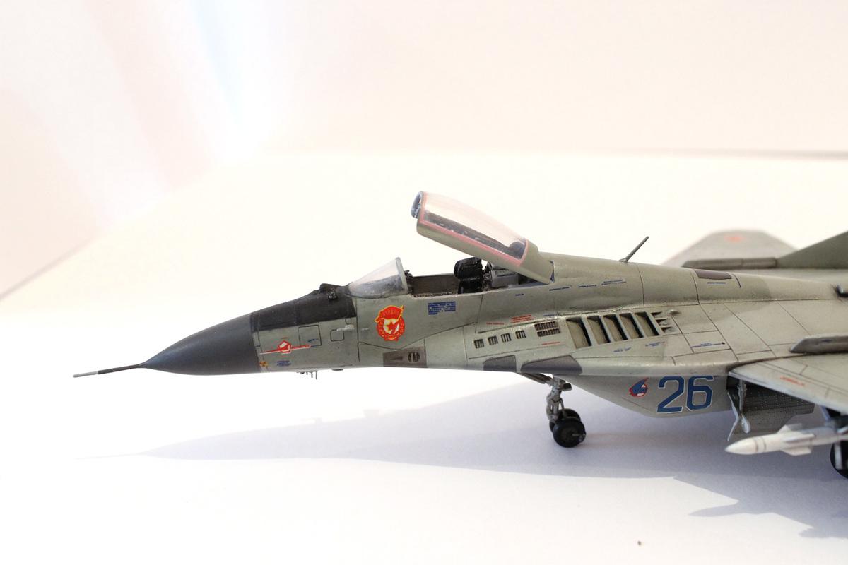 Миг-29 Звезда /italeri  1/72 IMG_2235