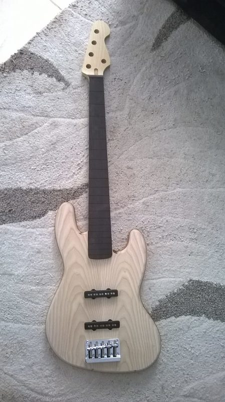 Projeto Jazz Bass 5 cordas M. Laghus 10416676_705541579503611_764525844_n