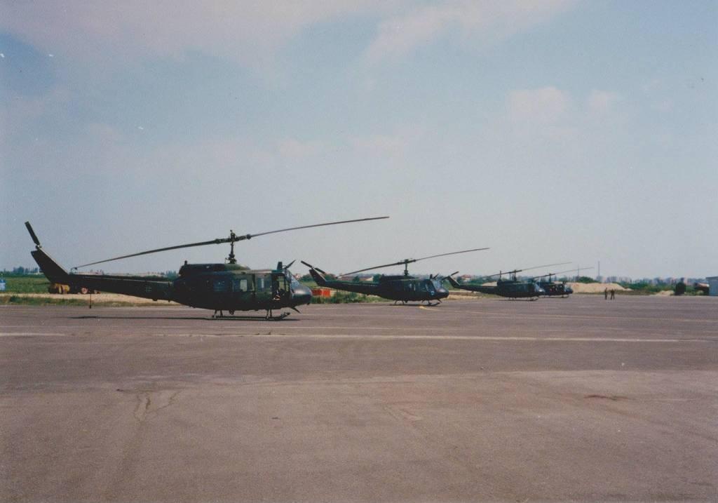 Aeroportul Arad - Poze Istorice - Pagina 2 1397759_603845649656740_465479917_o