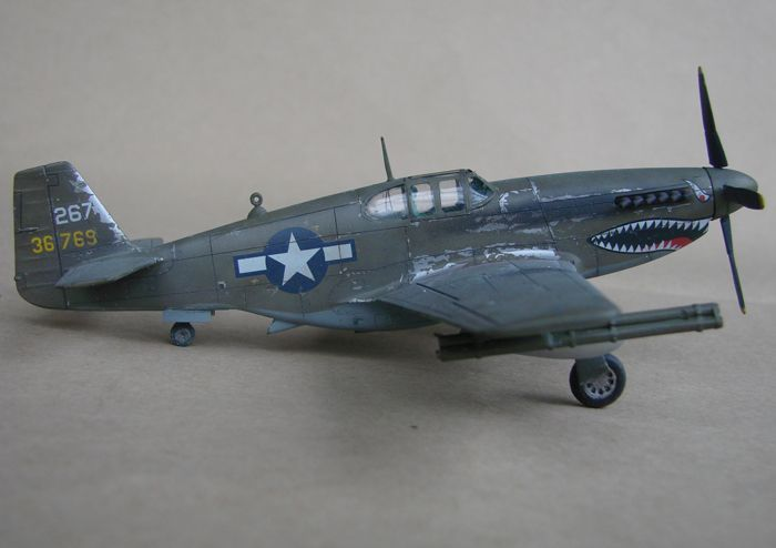 P-51 Mustang, Academy i P-51B Mustang (rebuild) Revell, 1/72 DSC02575