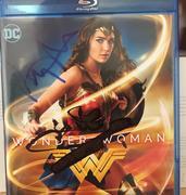 Wonder Woman 1984 - Página 2 0035_DFF0-_CE8_F-4_E99-8_C78-37064_ECD9081