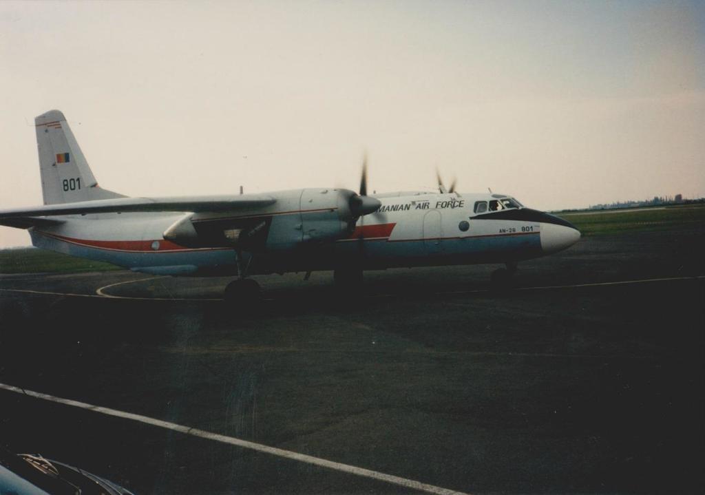 Aeroportul Arad - Poze Istorice - Pagina 2 1399297_606759846031987_352482282_o