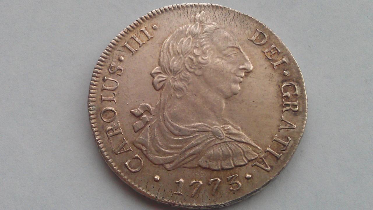 8 reales Carlos III 1773  Lima IMAG0864