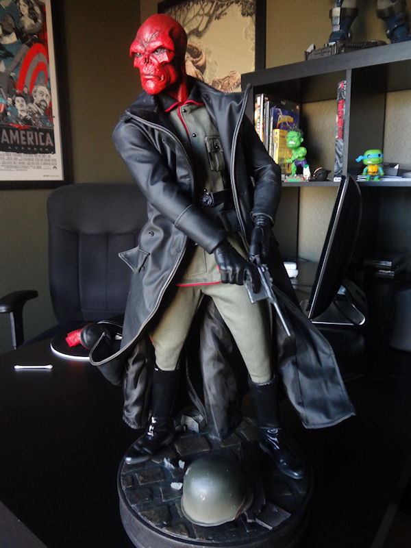 [Sideshow] Red Skull - Allied Charge on Hydra Premium Format - LANÇADO!!! - Página 3 DSC04100