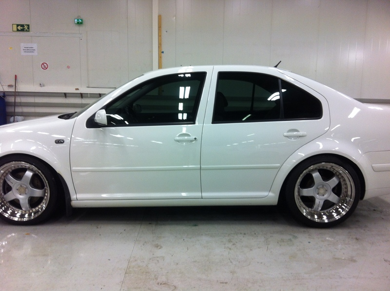BORA 1.8T CANDYWEISS IMG_1736