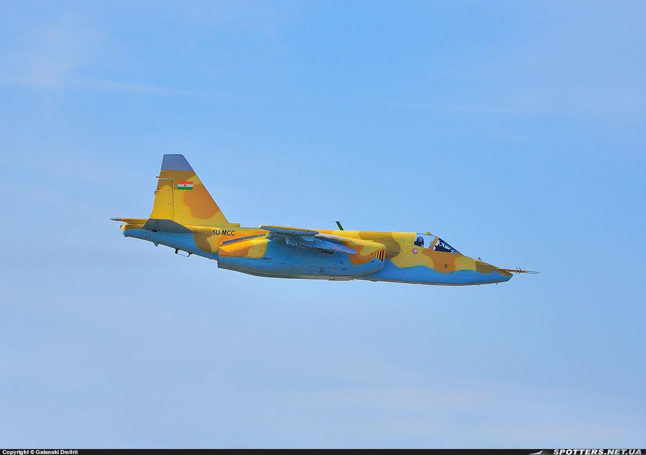 Sukhoi Su-25 Frogfoot - Page 4 SU_25_5_U_MCC_NIGER_MOKRAYA_ZAPOROZHYE_UCRANIA_25