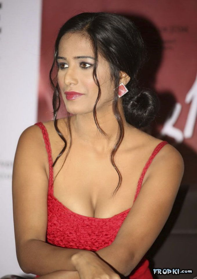 Poonam Pandey At Nasha Promotion 007