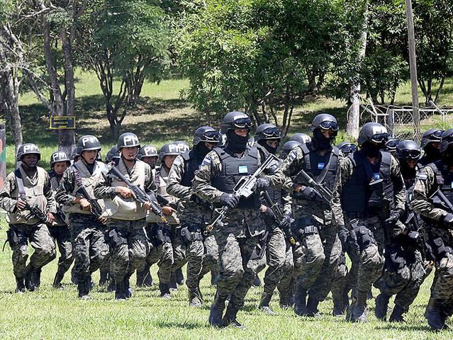 Fuerzas Armadas de Honduras 1383323_10151721085751185_1946695106_n