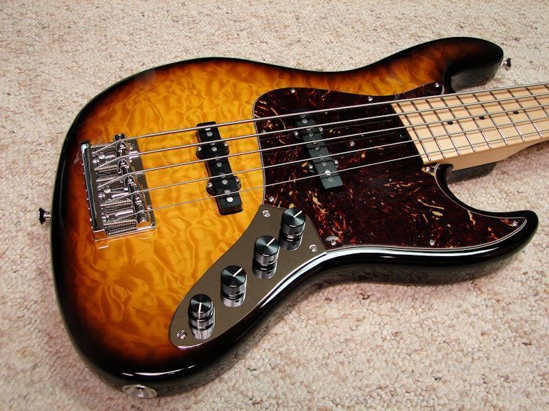 Mostre o mais belo Jazz Bass que você já viu - Página 6 943457_10151718562684874_965493113_n