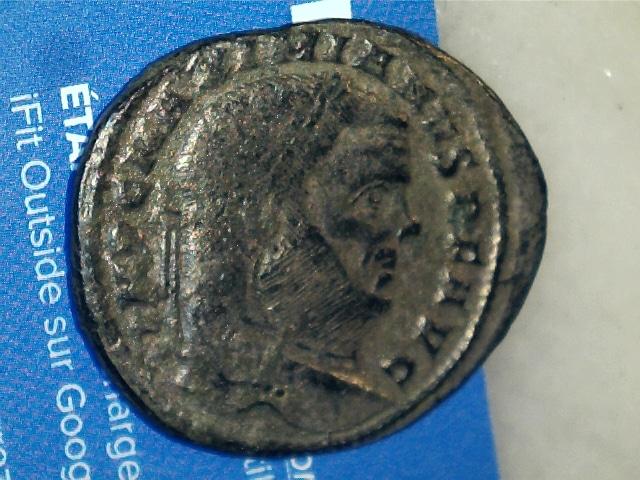 Nummus de Maximianus Hércules.SAC MON VRB AVGG ET CAESS NN. Moneta estante a izq. Ceca Roma. 2017_02_07_0003_0_X