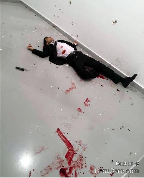 Todesfälle und Attentate Photo_mevlut_mert_altintas_kill_russia_ambassado