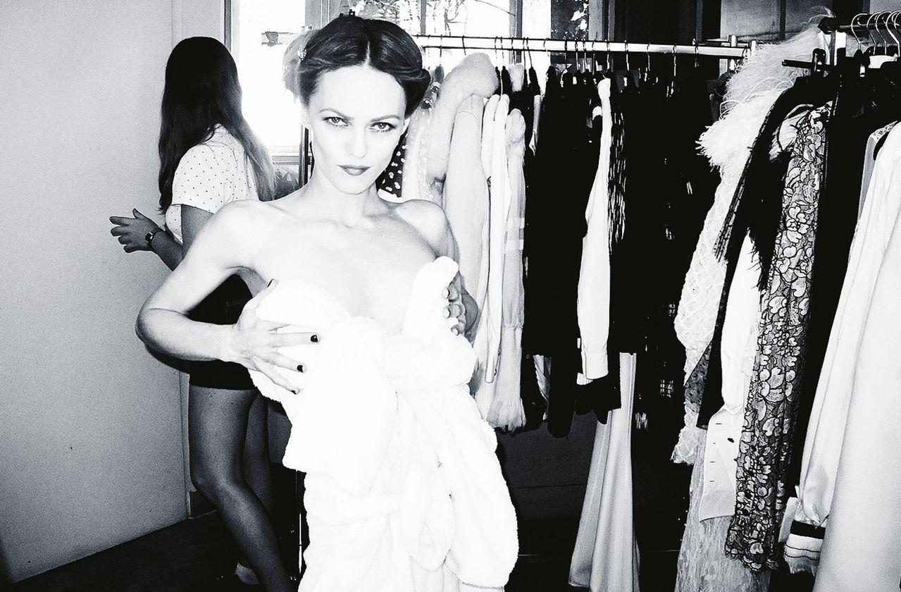 PRESSE PARADISIAQUE #4 - Page 6 10_cover_story_vanessa_paradis_making_of