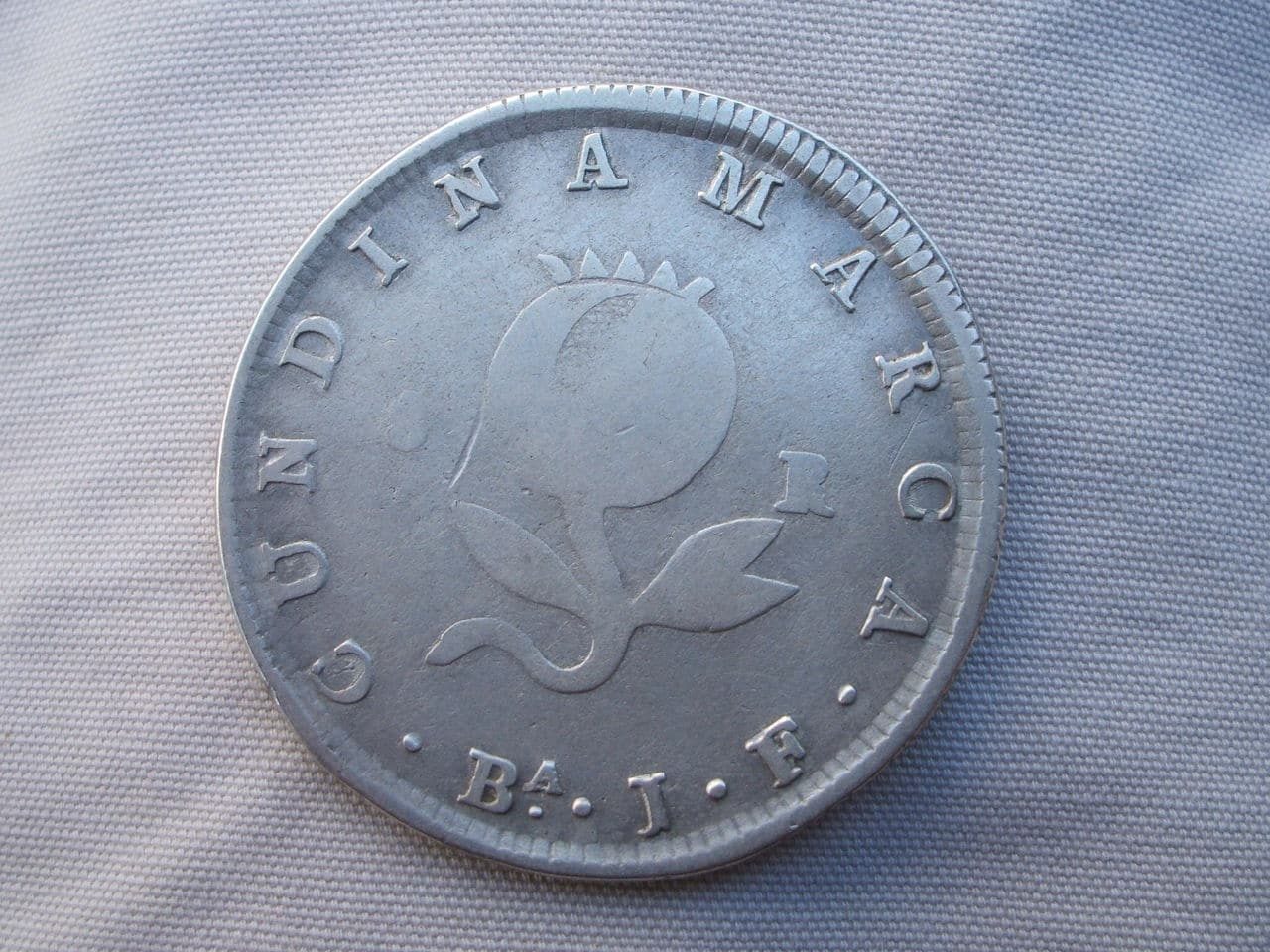 8 Reales. Colombia. 1821. Cundinamarca Si_3