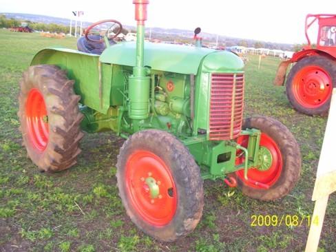 Hilo de tractores antiguos. - Página 6 SKODA_30