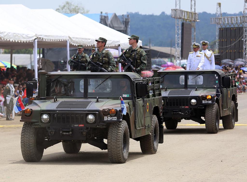 Armée Equatorienne/Fuerzas Armadas del Ecuador - Page 4 0_14