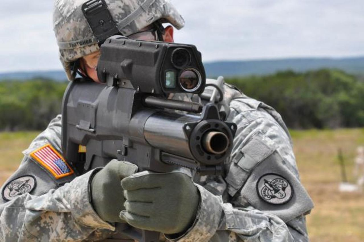 infanteria - FUSIL XM-25 DE INFANTERIA TACTICO  (COUNTER DEFILADE TARGET ENGAGEMENT SYSTEM)  Xm25_counter_defilade_engagement_system2