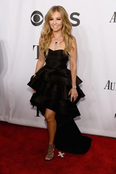 Thalia/ტალია - Page 6 2014_Tony_Awards_Arrivals_Qw_Nnk_PBvno_Nl
