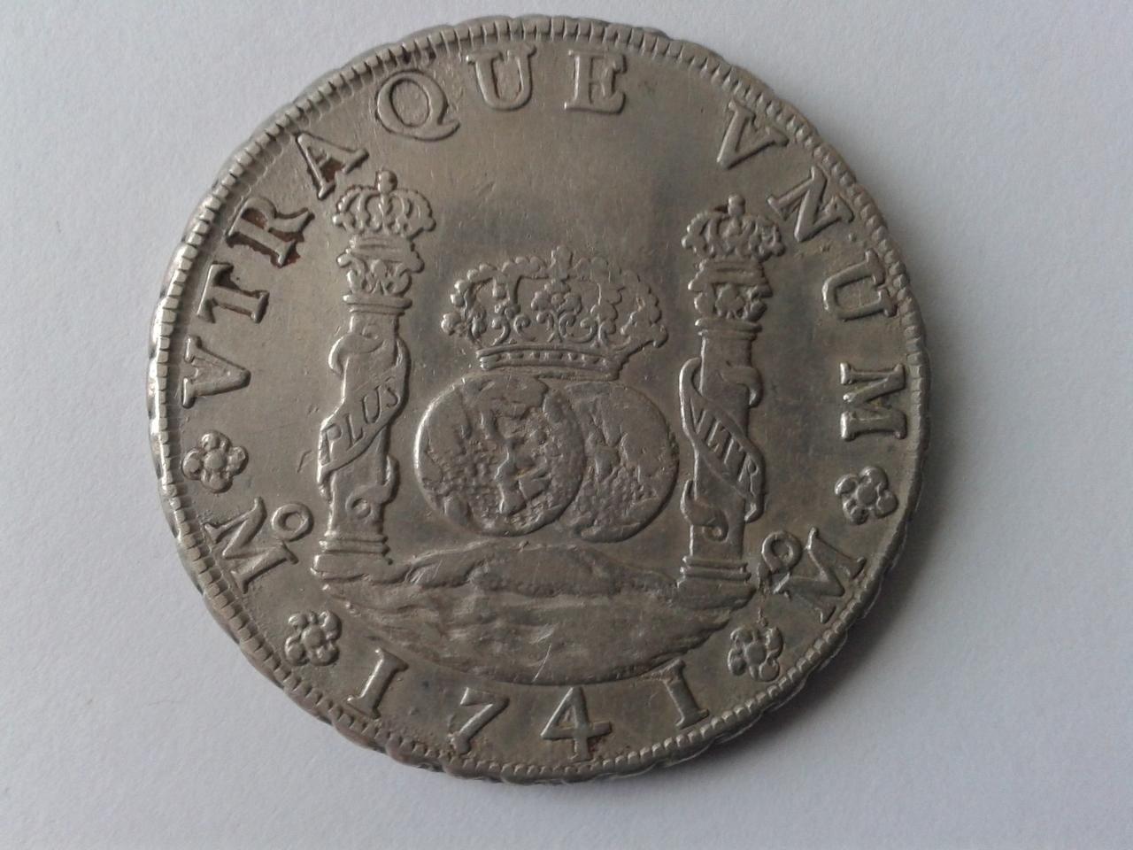 8 reales tipo columnario de Felipe V, México. 1741. 20141104_152209