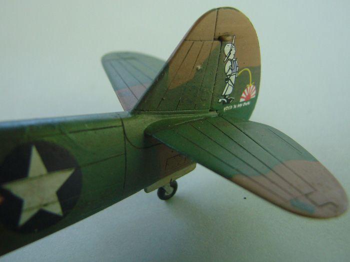 P-40E, Hobby Boss, 1/72 DSC03379