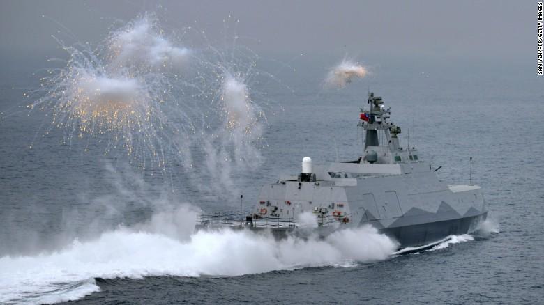 Islas en conflicto en Sudasia- Spratley,Paracel - conflictos, documentacion, acuerdos y articulos Taiwan_kaohsiung_corvettedrill